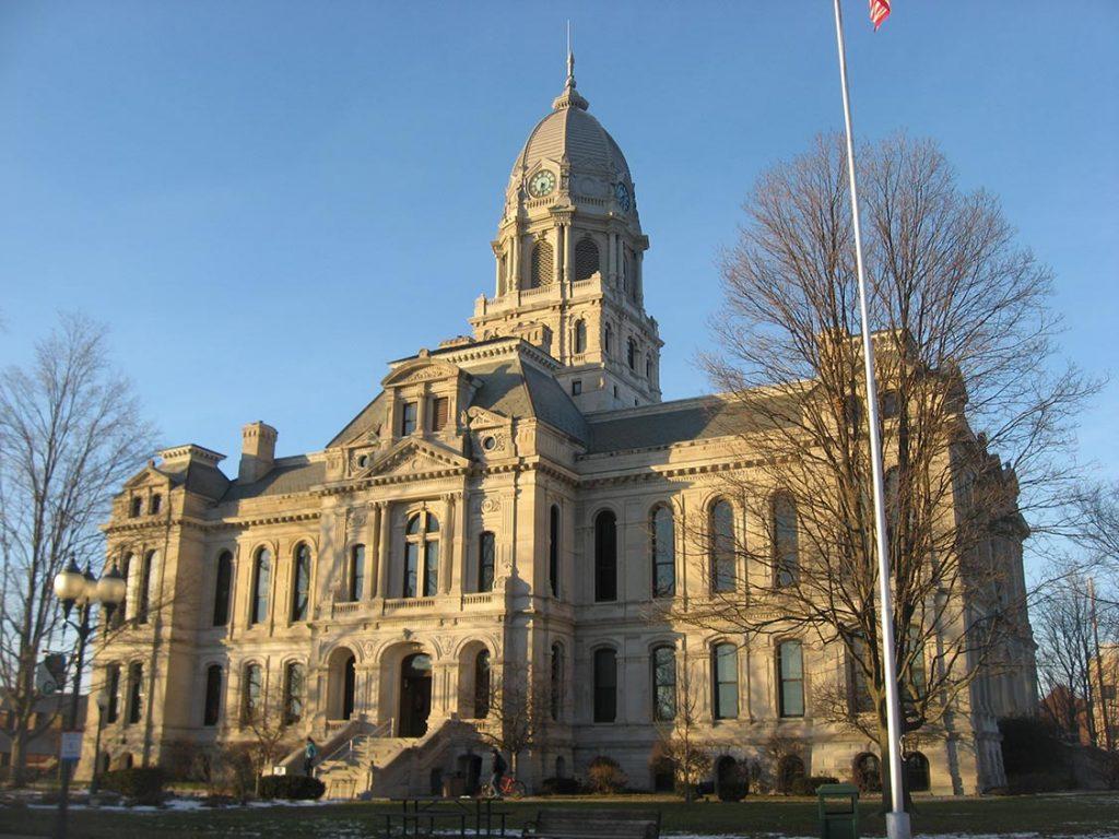 Kosciusko County Courthouse Wildlife Removal Services In Kosciusko County